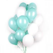 Набор белых и мятных шаров