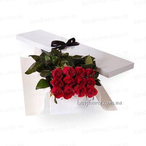 11 роз в подарочной коробке — Цветы в подарочных коробках заказать с доставкой в KievFlower.  Артикул: 0650