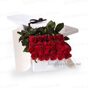 25 роз в подарочной коробке — Цветы в подарочных коробках заказать с доставкой в KievFlower.  Артикул: 0651
