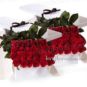 51 роза в подарочной коробке — Цветы в подарочных коробках заказать с доставкой в KievFlower.  Артикул: 0652