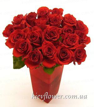 """Букет красных роз """"Стрела Амура"""" - 19 шт. — Букеты цветов заказать с доставкой в KievFlower.  Артикул: 1218"""