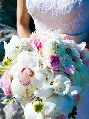 Свадебный букет № 17 — Свадебные букеты заказать с доставкой в KievFlower.  Артикул: 9017
