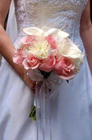 Свадебный букет № 19 — Свадебные букеты заказать с доставкой в KievFlower.  Артикул: 9019