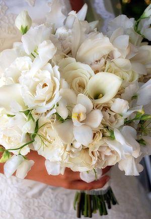 Свадебный букет № 20 — Свадебные букеты заказать с доставкой в KievFlower.  Артикул: 9020