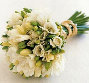 Свадебный букет из фрезий № 33 — Свадебные букеты заказать с доставкой в KievFlower.  Артикул: 9033