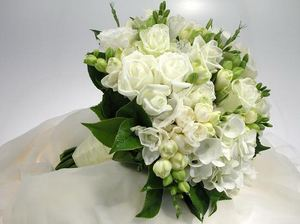 Свадебный букет невесты № 34 — Свадебные букеты заказать с доставкой в KievFlower.  Артикул: 9034