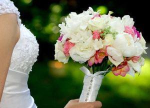 Свадебный букет невесты № 40 — Свадебные букеты заказать с доставкой в KievFlower.  Артикул: 9040