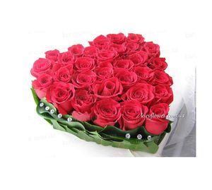 Сердце из роз — Букеты цветов заказать с доставкой в KievFlower.  Артикул: 0604