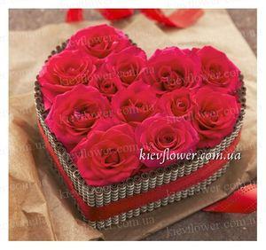 """Сердце """"Настоящая любовь"""" — Букеты цветов заказать с доставкой в KievFlower.  Артикул: 0818"""