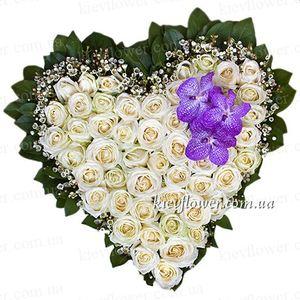 """Сердце из роз """"Ты - мой ангел"""" — Букеты цветов заказать с доставкой в KievFlower.  Артикул: 0820"""
