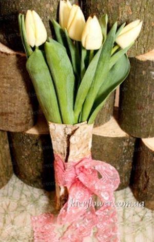Тюльпаны в бересте — Букеты цветов заказать с доставкой в KievFlower.  Артикул: 1794