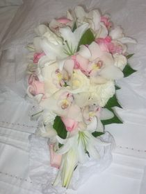 Букет невесты из лилий и орхидей № 8