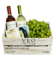 Сыр, вино и виноград